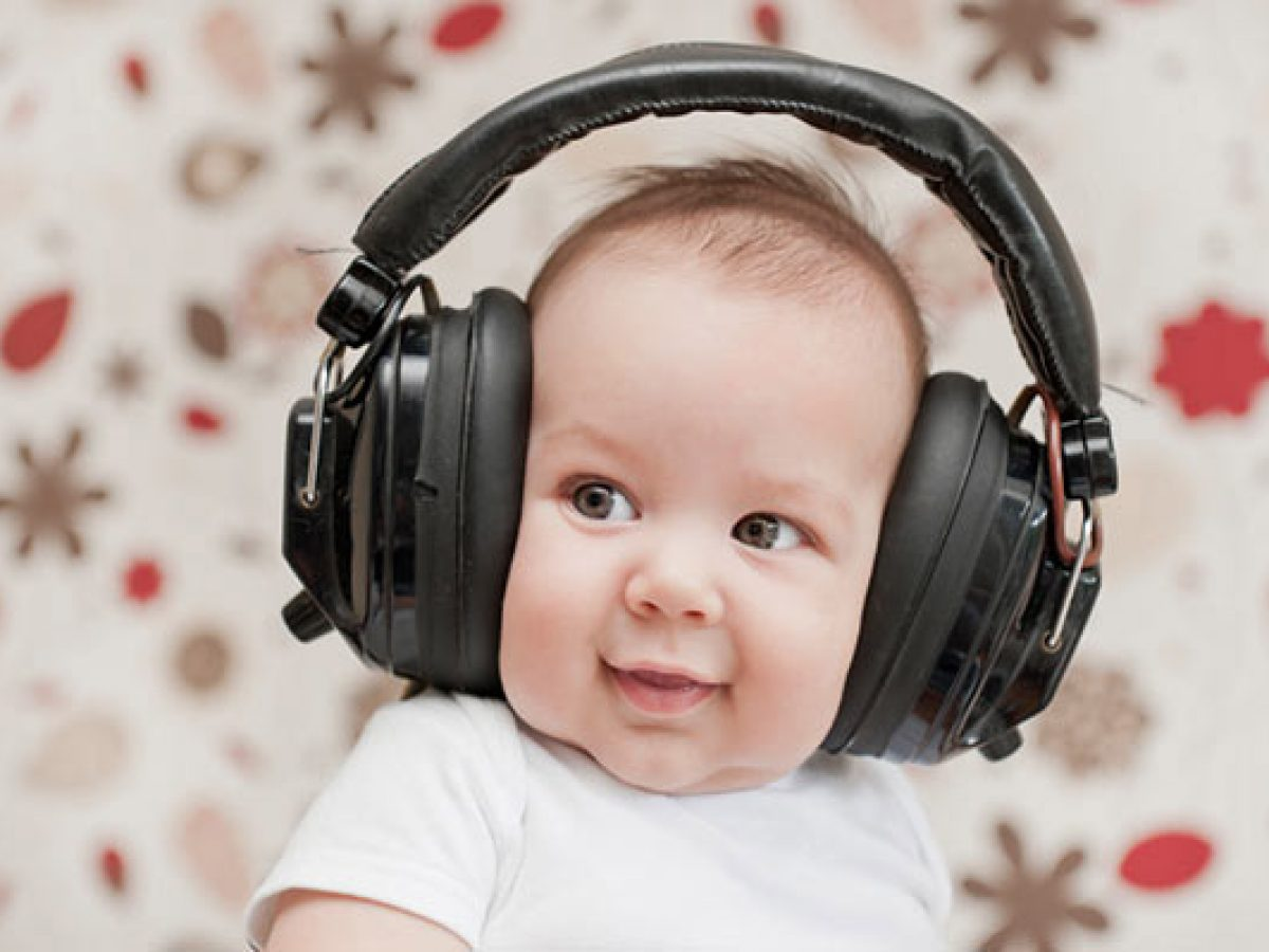 How to prevent the risk of hearing loss for your kids
