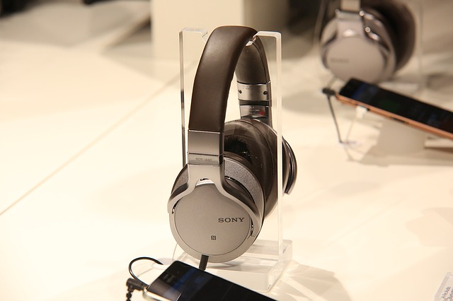 New Sony's headphones the high-res & the heavy bass